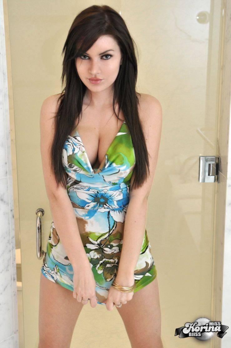Dziewczyna dnia: Miss Korina Bliss 39