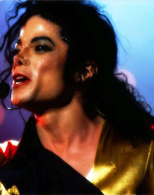 Dangerous World Tour (Información, Fotos y Videos)  64f3w6da