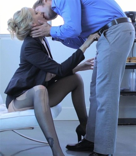 Julia Ann - Pleasure Before Business [PureMature] (2012/HD/547MB)