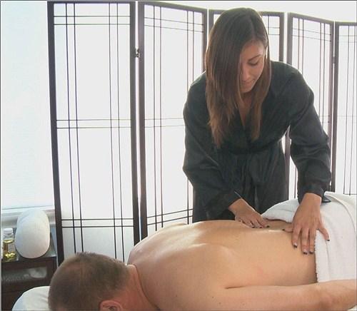 Riylnn Rae - Gluteus Maximus - Massage-Parlor - (2012/FullHD/1080p/1.17 Gb)