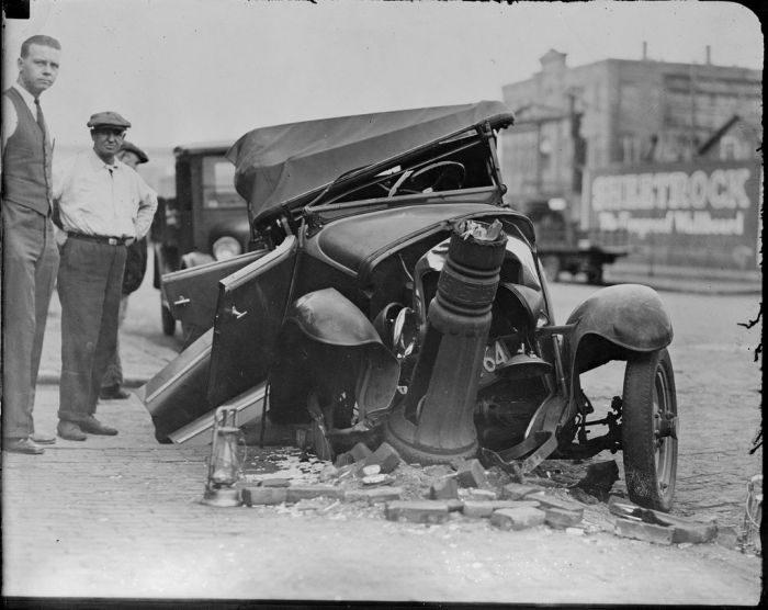 Wypadki samochodów w latach 30. 20
