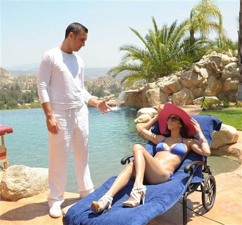 April O'Neil - Vacation Flirtation - DirtyMasseur/BraZZers - (2012/FullHD/1080p/2.25 Gb)
