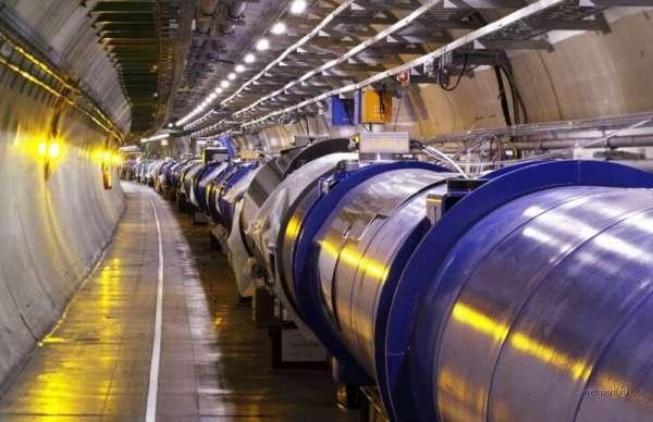 Wielki Zderzacz Hadronów LHC 1