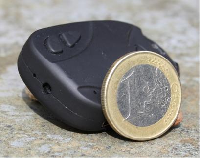 Größenvergleich der Modellbau-Kamera mit einer 1-Euro-Münze