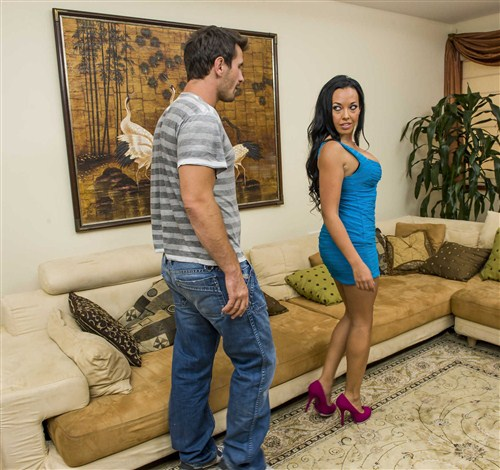 Rio Lee - Rio Lee gets Rio Laid - MilfsLikeitBig/BraZZers - (2012/SiteRip/530 Mb)