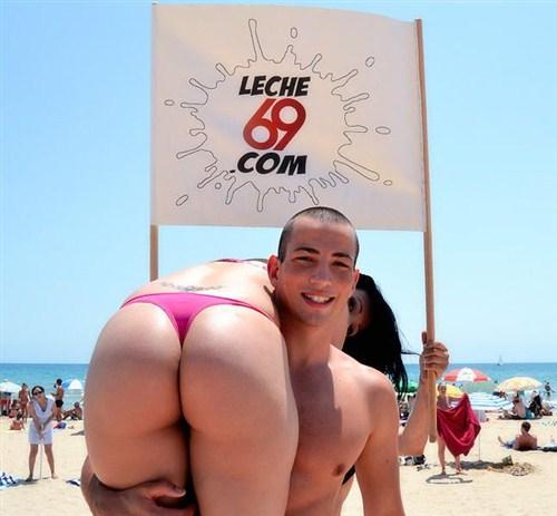 Samantha Pink - Pilladas en la Playa 2 - SomosLaLeche/Leche69 - (2012/FullHD/1080p/651 Mb)