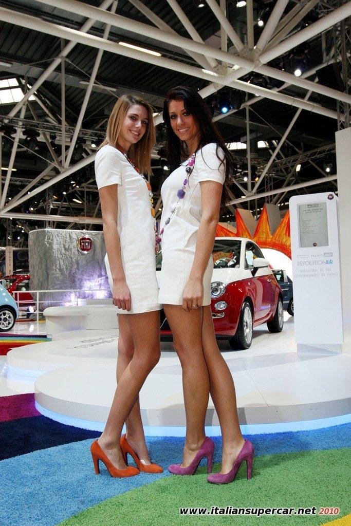 Dziewczyny z pokazów samochodowych #4 16