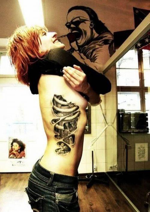 Cyborgowe tatuaże 7