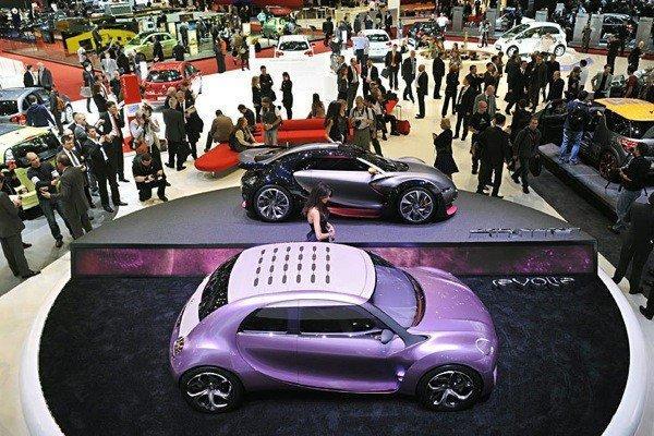 Genewa Motor Show 2010 5