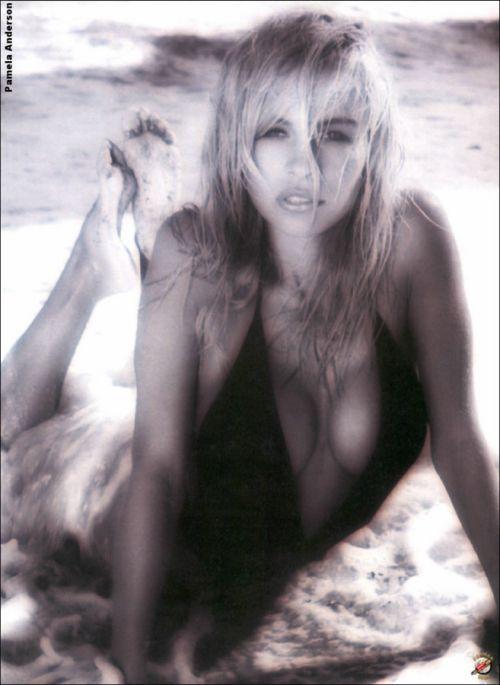Młoda Pamela Anderson 36