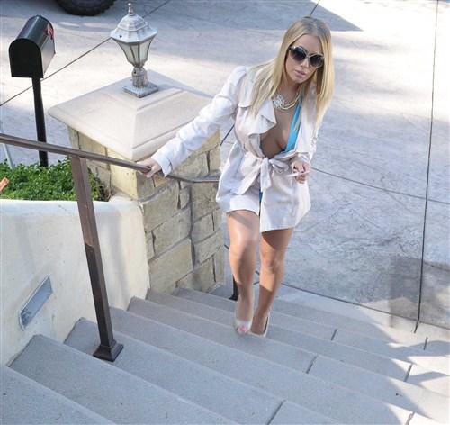 Nicole Aniston - A Secret Gentleman's Club - RealWifeStories/BraZZers - (2012/FullHD/1080p/3.71 Gb)