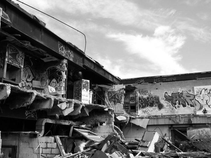 Opuszczone, zapomniane, zniszczone 44