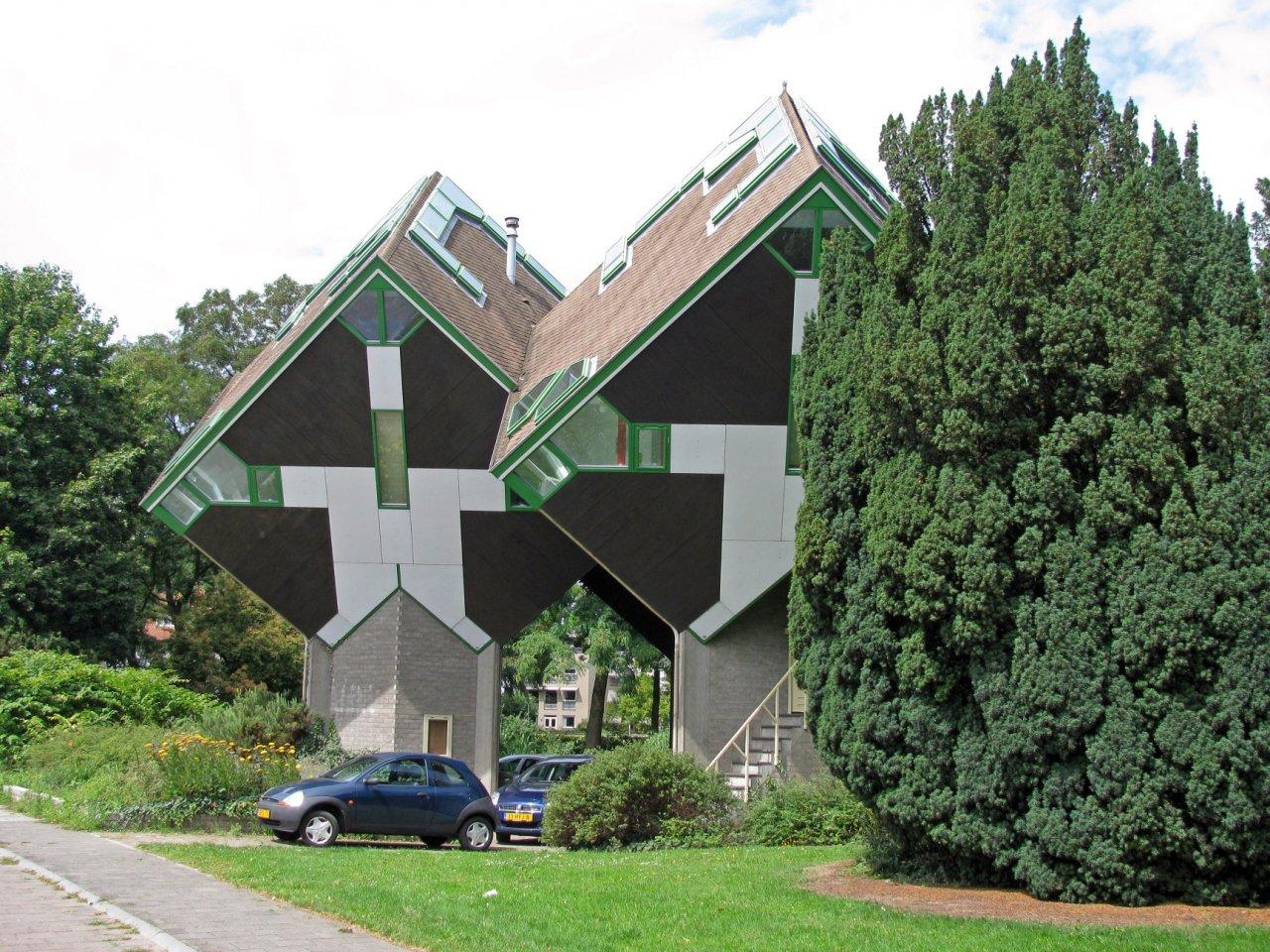 Kubuswoningen - hostel o nietypowym kształcie 12