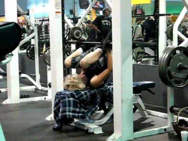 Na siłowni 32