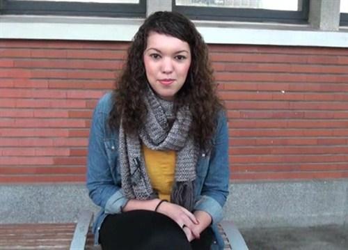 Indecentes-Voisines - Ayanna - 20 ans, beurette et ... gendarmette ... tout pour nous faire bander ! (2013/SiteRip)