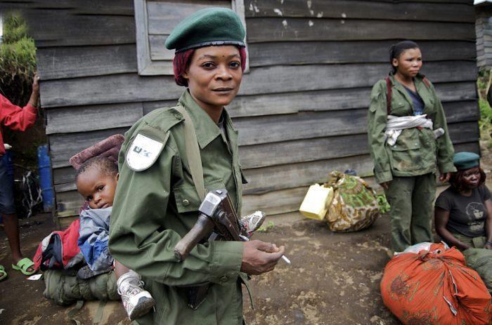 Kobiety w mundurach 22